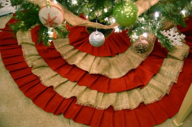 20 Beautiful Christmas Tree Skirt Designs (17)