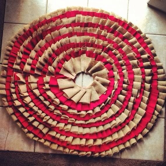 20 Beautiful Christmas Tree Skirt Designs (3)
