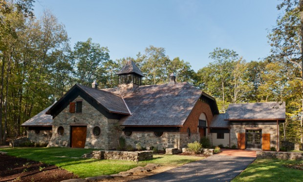 19 beautiful stone houses exterior design ideas style for Beautiful brick and stone homes