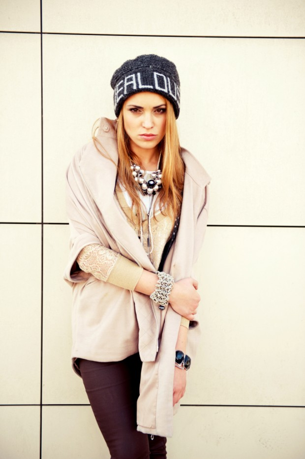 20 Cute Outfit Ideas with Beanie (14)