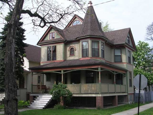 20 Gorgeous Houses in Victorian Style (13)