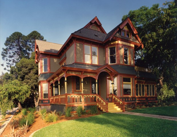 20 Gorgeous Houses in Victorian Style (15)