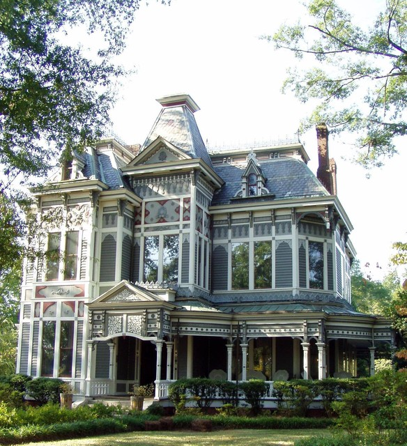 20 Gorgeous Houses in Victorian Style (16)