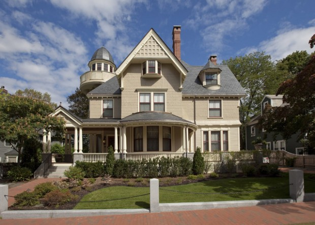 18 Gorgeous Houses in Victorian Style