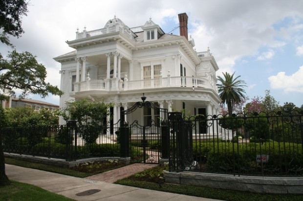 20 Gorgeous Houses in Victorian Style (4)