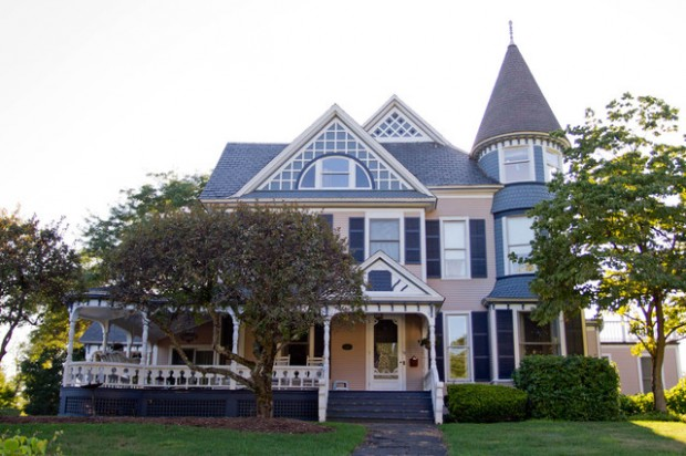 20 Gorgeous Houses in Victorian Style (6)