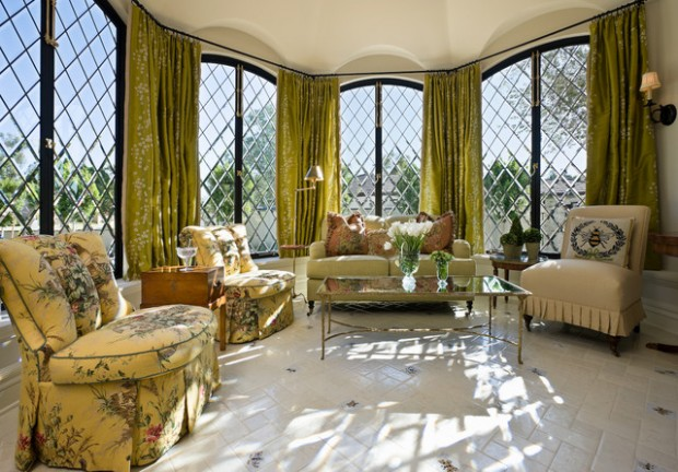21 Amazing Living Room Design Ideas with Window Wall (17)