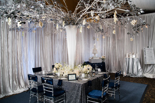 21 Amazing Winter Wedding Decoration Ideas (19)