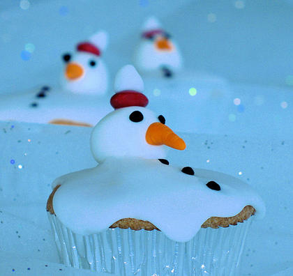 21 Cute and Sweet Christmas Cupcakes (1)