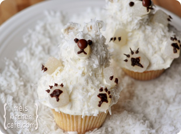 21 Cute and Sweet Christmas Cupcakes (15)