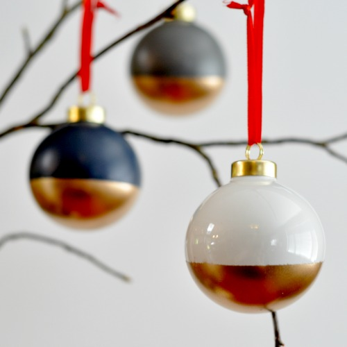 22 Creative, Fun and Easy DIY Christmas Décor Projects (1)
