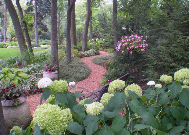22 Great Ideas for Perfect Garden Path (12)