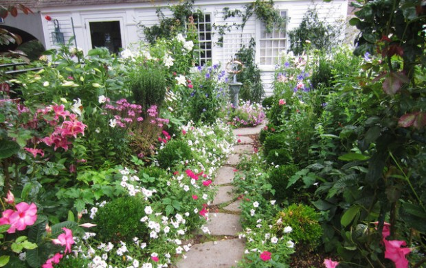 22 Great Ideas for Perfect Garden Path (15)