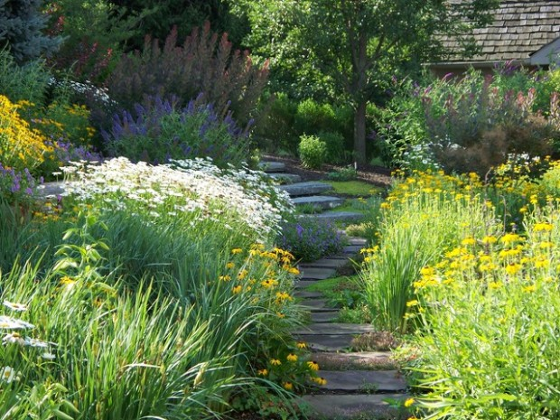 22 Great Ideas for Perfect Garden Path (22)
