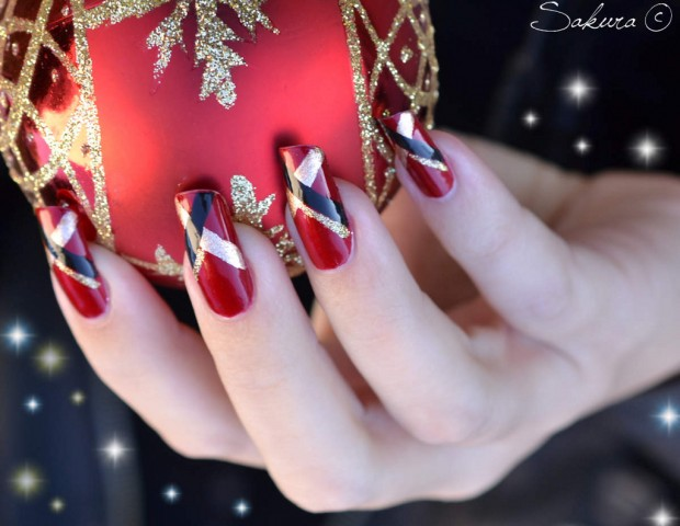 23 Amazing Christmas Nail Design Ideas