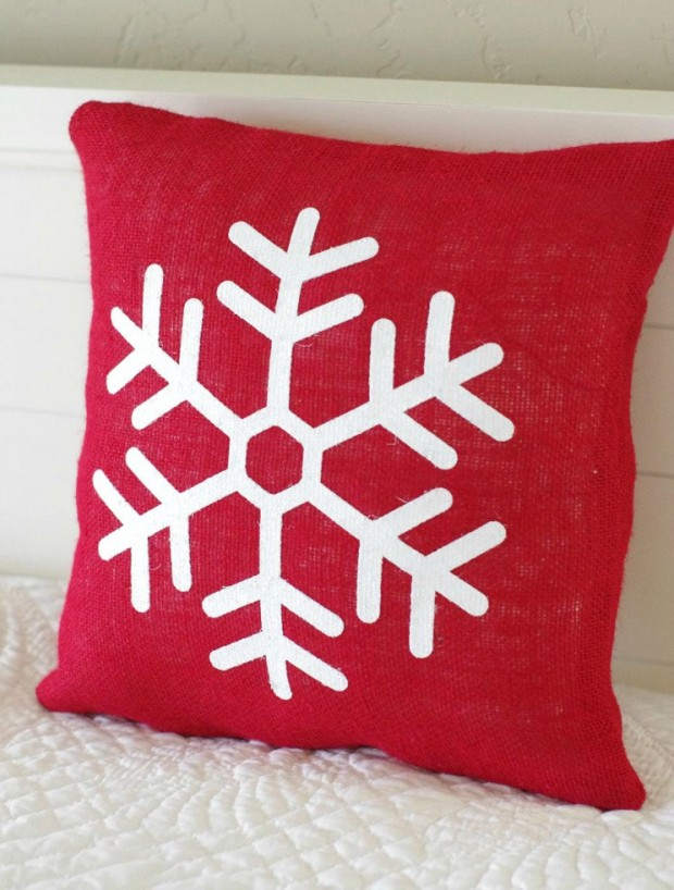 26 Awesome Handmade Christmas Pillows and Covers (16)