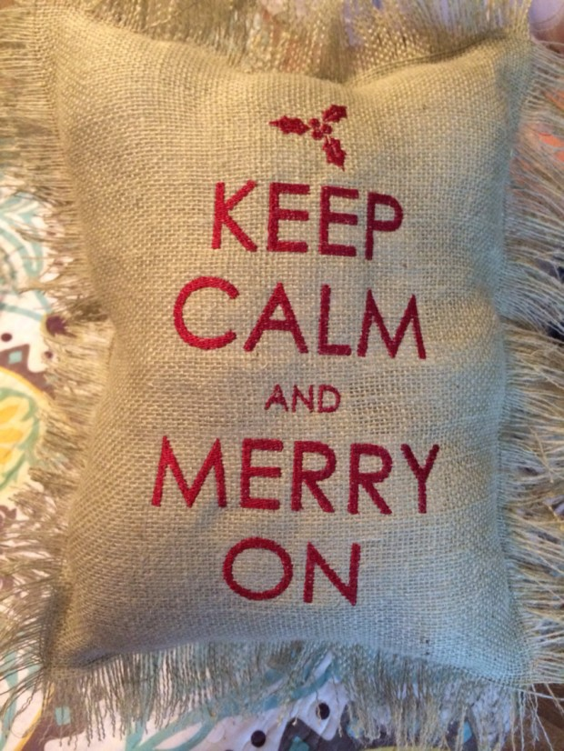 26 Awesome Handmade Christmas Pillows and Covers (22)