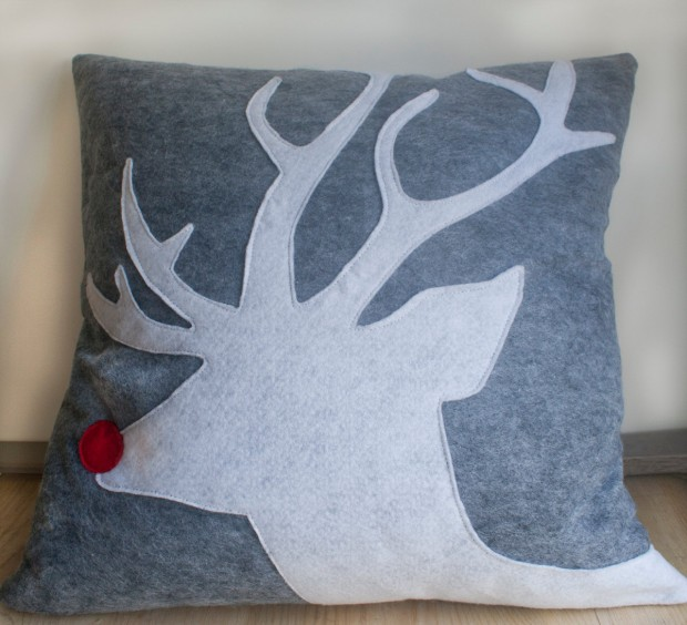 26 Awesome Handmade Christmas Pillows and Covers (5)