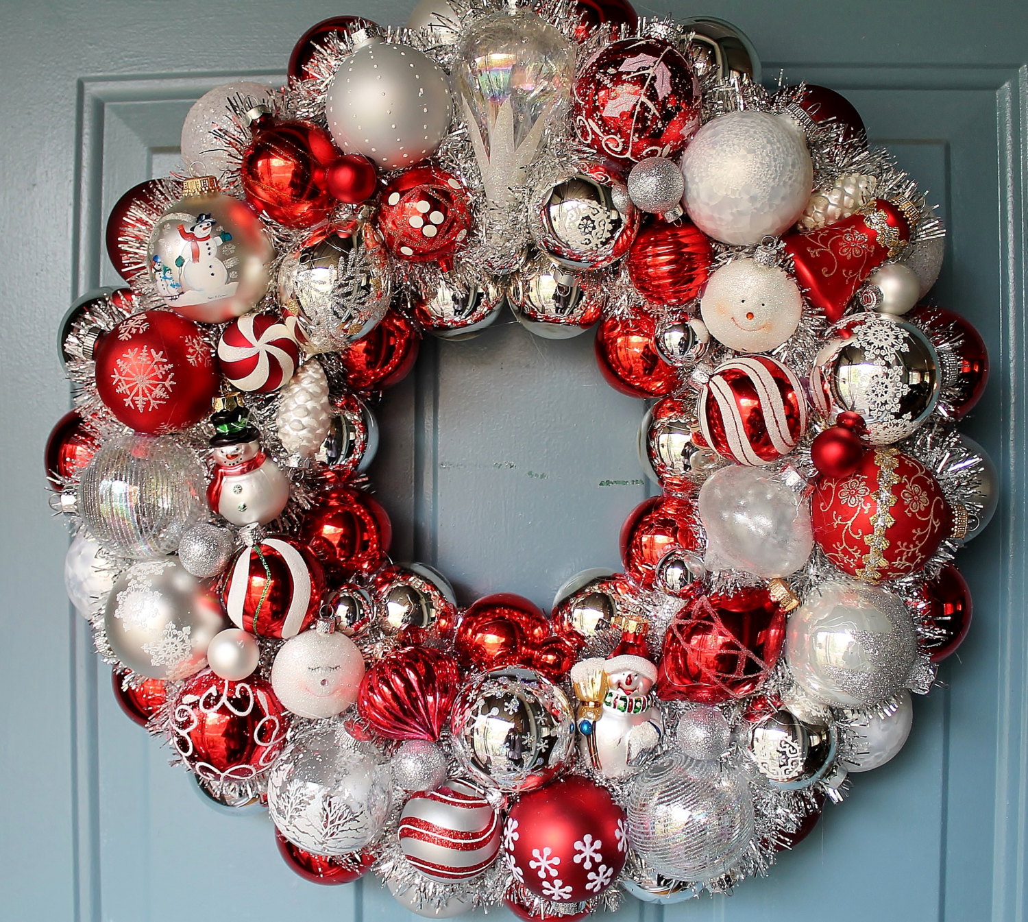 30 beautiful and creative handmade christmas wreaths for How to make christmas door wreaths