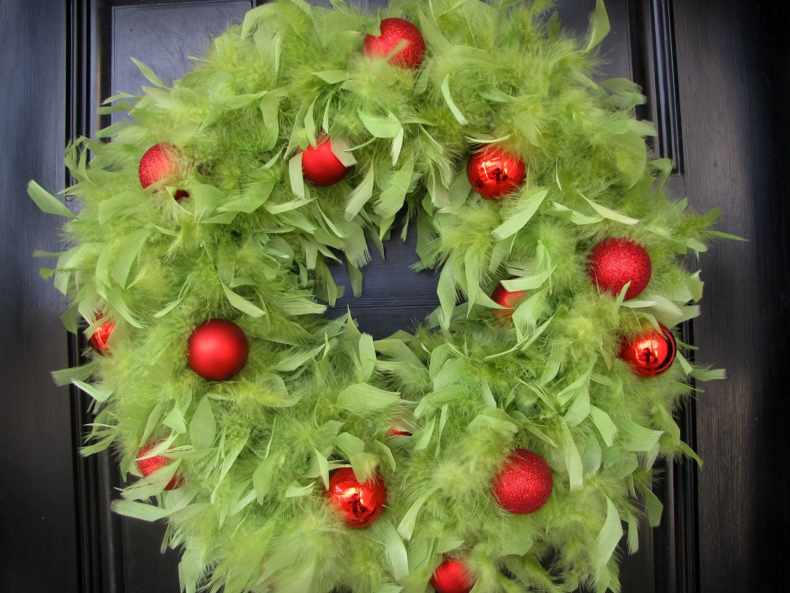 30 beautiful and creative handmade christmas wreaths for A green christmas decoration