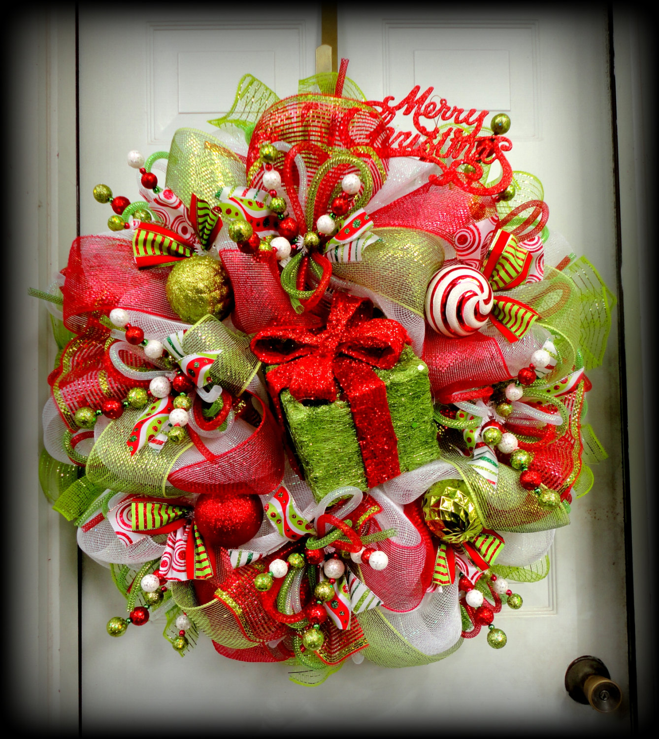 How to make a christmas wreath with mesh - 30 Beautiful And Creative Handmade Christmas Wreaths