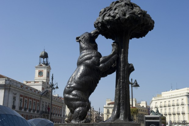 the hallmarks of madrid tourist attractions style motivation On oso y madroño puerta del sol