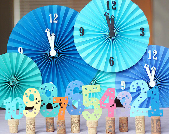 15 Amazing and Easy DIY New Year's Eve Party Decorations (12)
