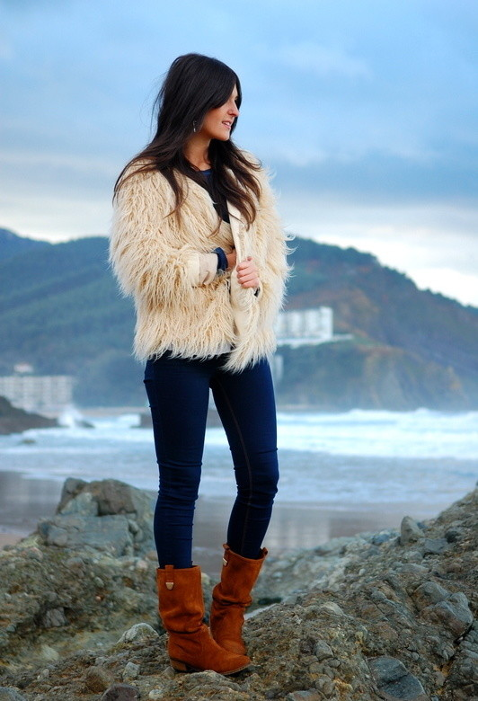 15 Stylish Winter Outfit Ideas with Boots (4)