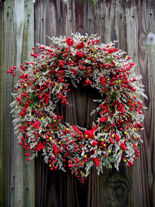 16 Beautiful Handmade Christmas Wreath Designs (6)