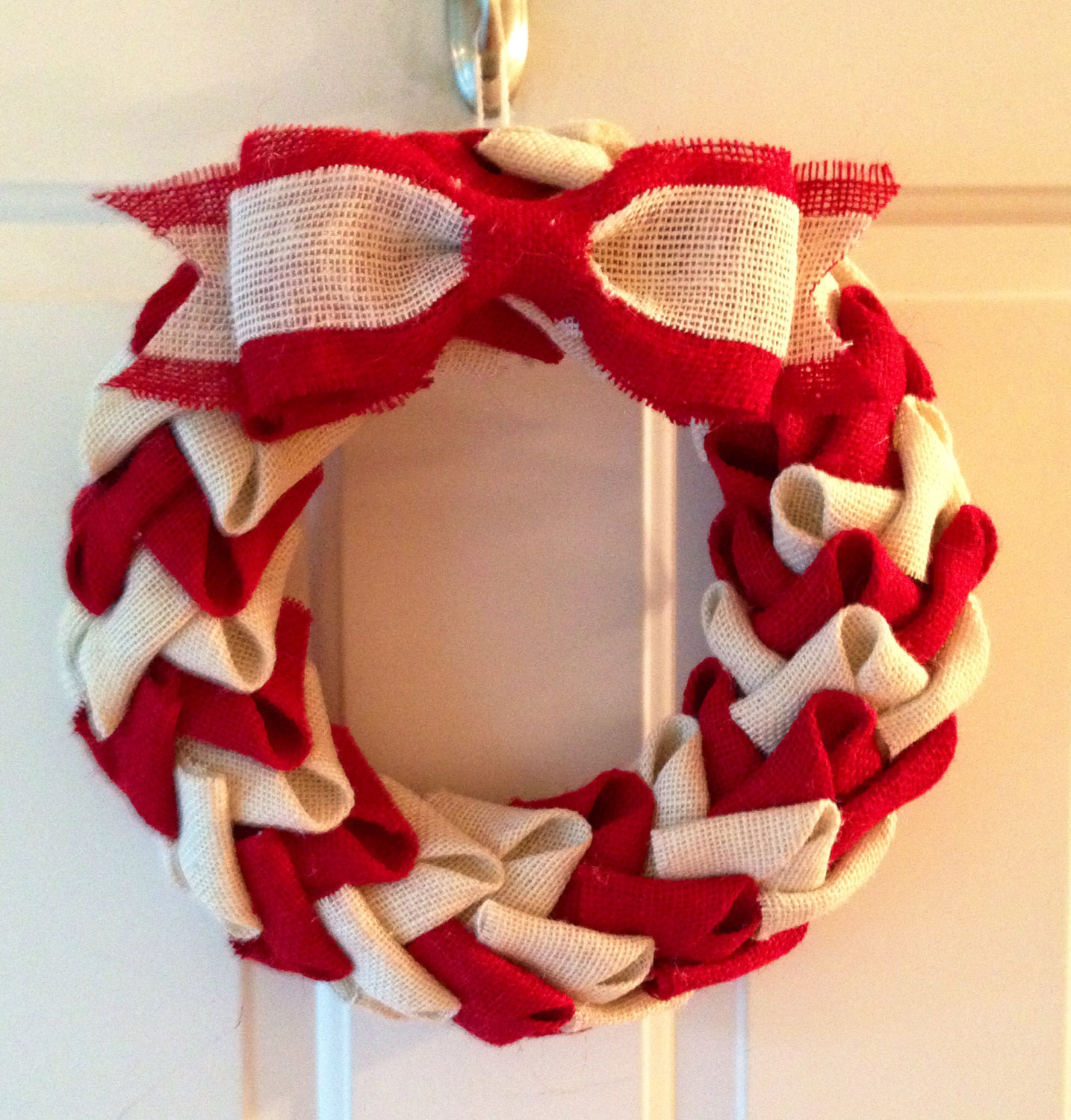 Super festive designs will make any door sparkle best home design ideas - Awesome christmas wreath with homemade style ...