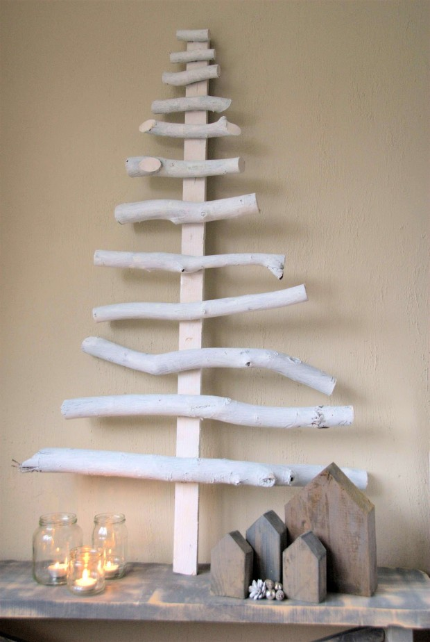 16 Creative and Unique DIY Christmas Trees (13)