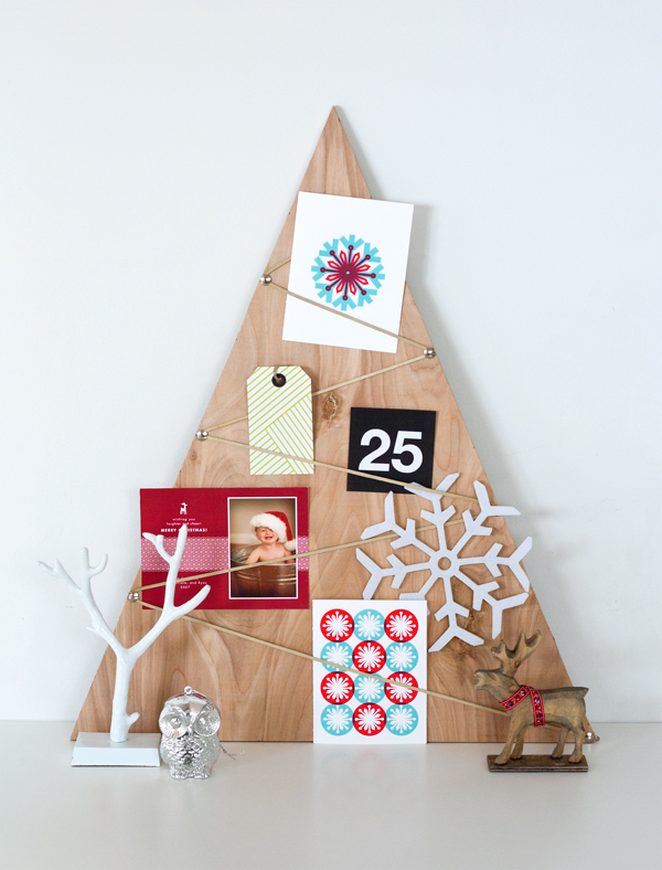 16 Creative and Unique DIY Christmas Trees (5)