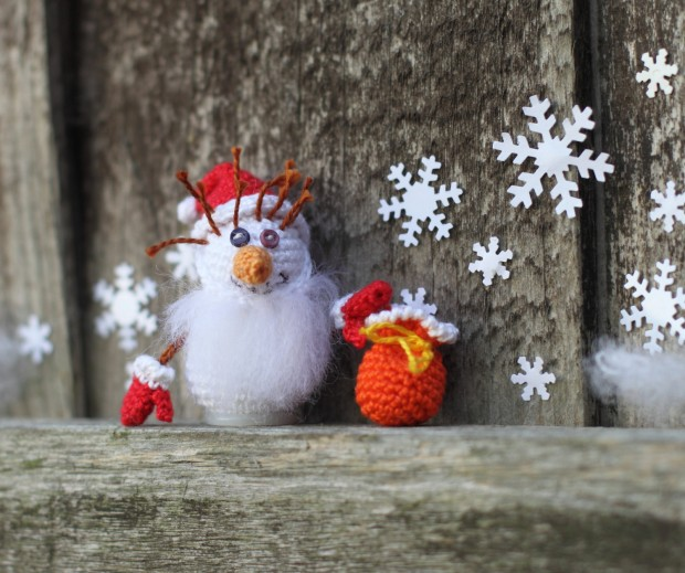 16 Cute Miniature Crochet Christmas Decorations (11)