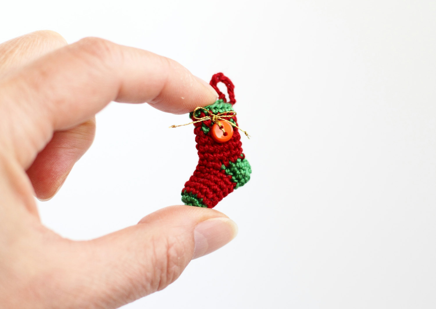 Tiny christmas tree ornaments - 16 Cute Miniature Crochet Christmas Decorations