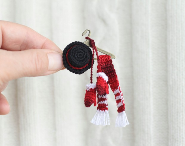16 Cute Miniature Crochet Christmas Decorations (4)