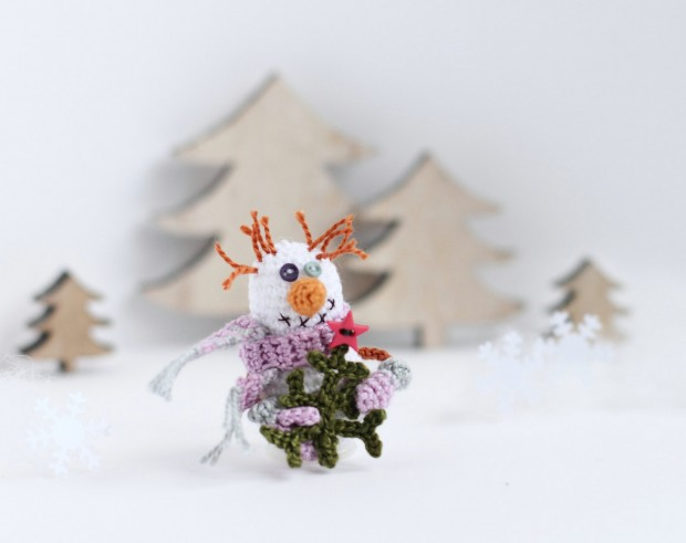 16 Cute Miniature Crochet Christmas Decorations (7)
