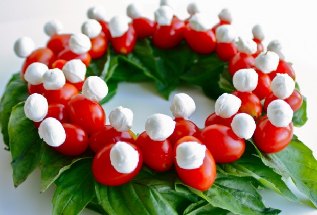 16 Tasty Appetizer Recipes Decorated in Christmas Colors