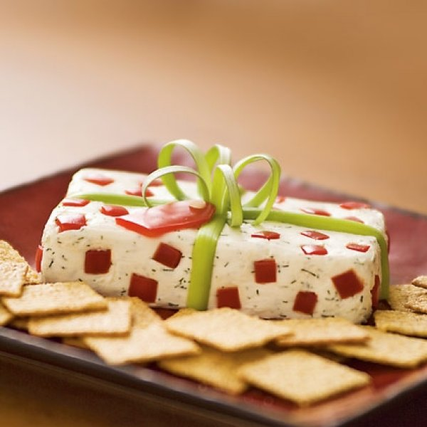 16 Tasty Appetizer Recipes Decorated in Christmas Colors - Style ...