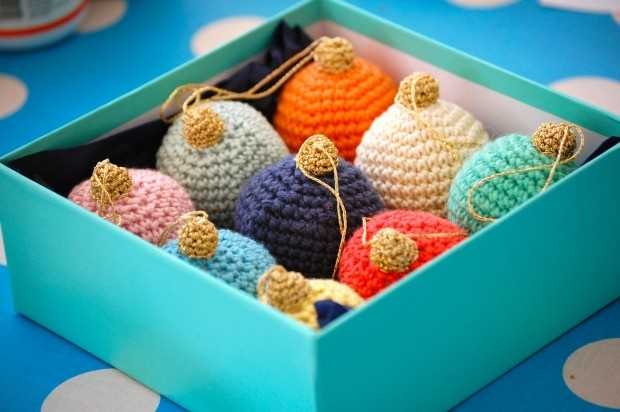 17 Cute and Easy DIY Christmas Ornaments (1)