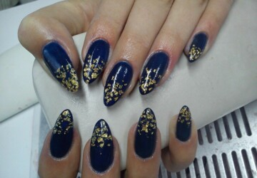 17 Sparkly Nail Designs for New Year's Eve Party  - New Year Nails, nail design ideas, Nail Art