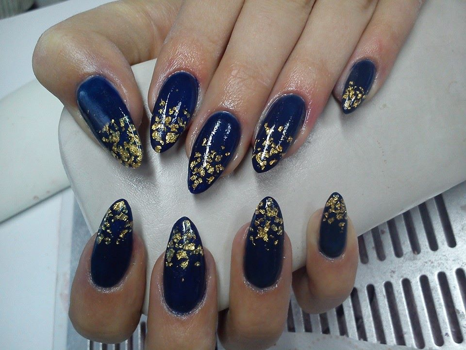 17 Sparkly Nail Designs for New Year\'s Eve Party - Style Motivation