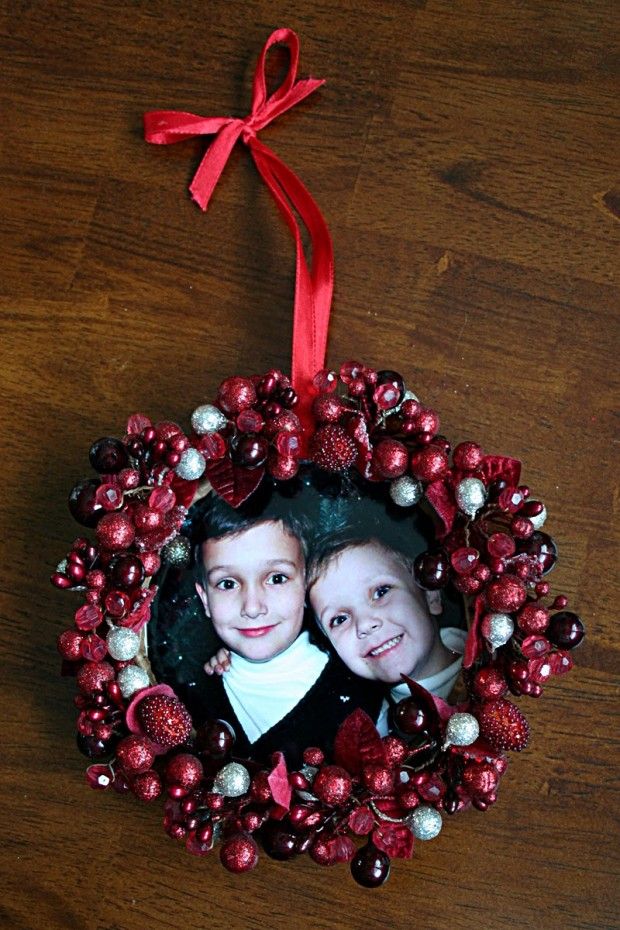 18 Awesome DIY Christmas Photo Ornaments (16)