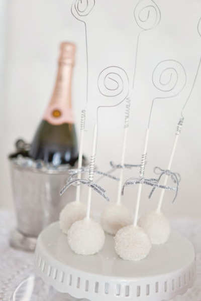 18 Awesome New Year's Eve Party Ideas18 Awesome New Year's Eve Party Ideas (16)