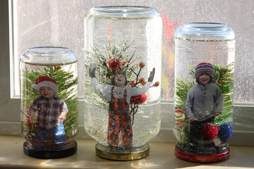 18 Cute and Creative DIY Snow Globe Ideas  (11)