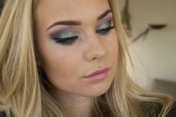 19 Statement Makeup Ideas and Tutorials for The Holiday Party Season (1)