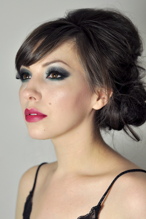 19 Statement Makeup Ideas and Tutorials for The Holiday Party Season (4)
