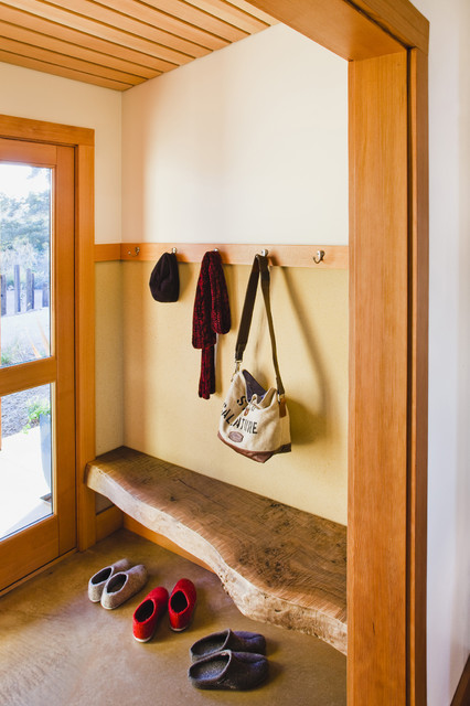 20 Great Ideas for Entry Bench Design and Organization (9)