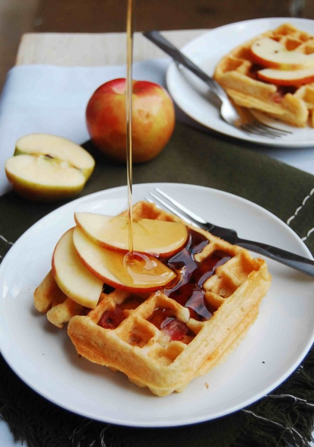 20 Great Waffle Recipes Perfect for Holiday Breakfast (12)