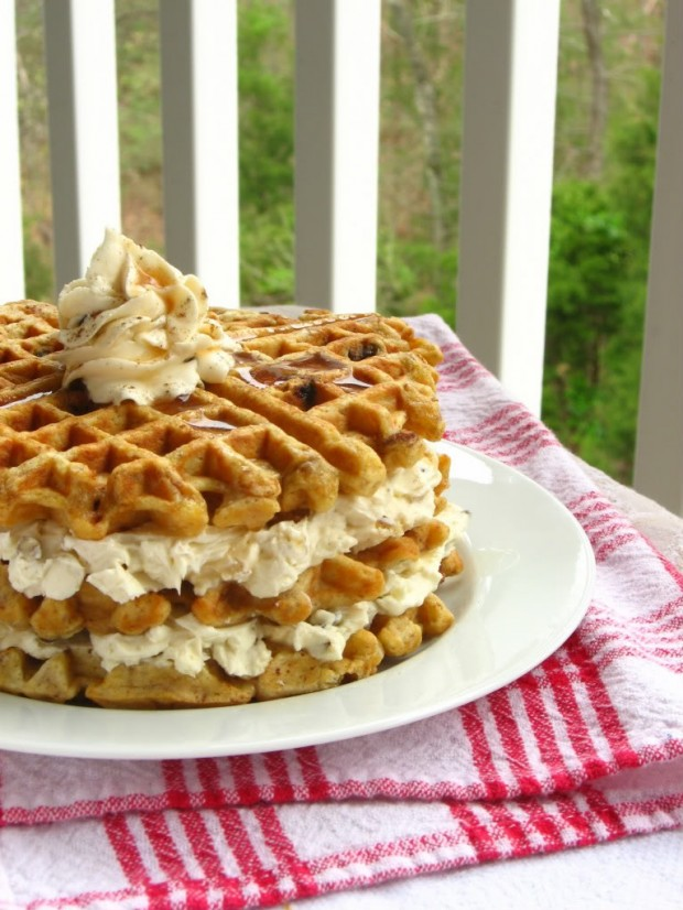 20 Great Waffle Recipes Perfect for Holiday Breakfast (16)