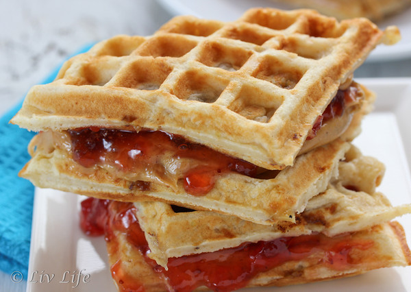 20 Great Waffle Recipes Perfect for Holiday Breakfast (19)